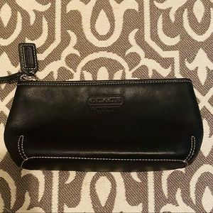 👛 COACH small black leather makeup bag/pouch